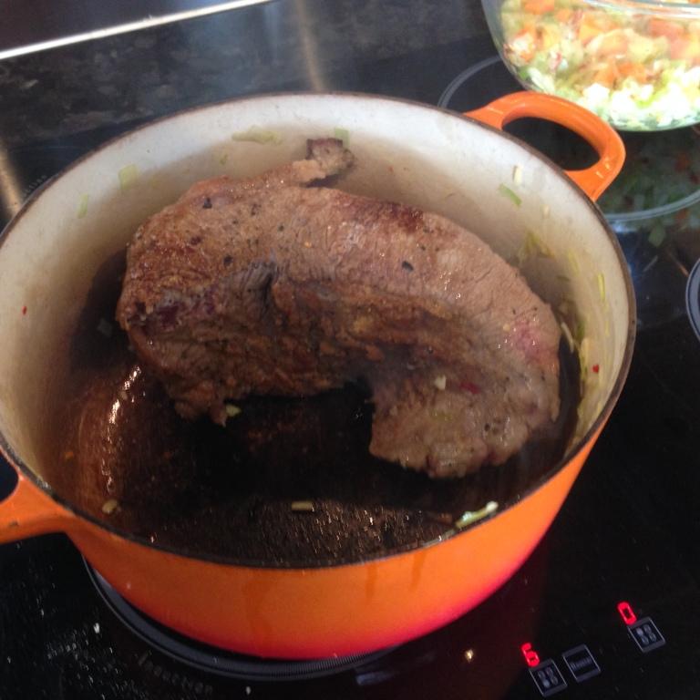 beef-searing-in-casserole