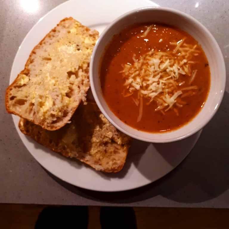 creamy-tomato-courgette-soup.jpg